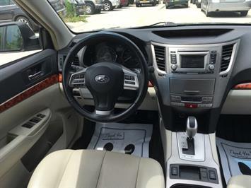 2012 Subaru Outback 2.5i Limited - Photo 7 - Cincinnati, OH 45255