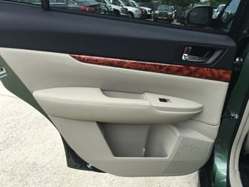 2012 Subaru Outback 2.5i Limited - Photo 24 - Cincinnati, OH 45255