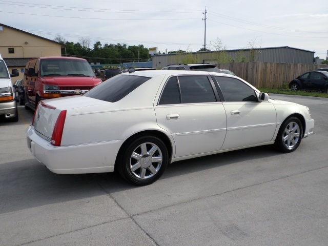 2006 cadillac dts dts luxury i for sale in cincinnati oh stock 11457. Black Bedroom Furniture Sets. Home Design Ideas