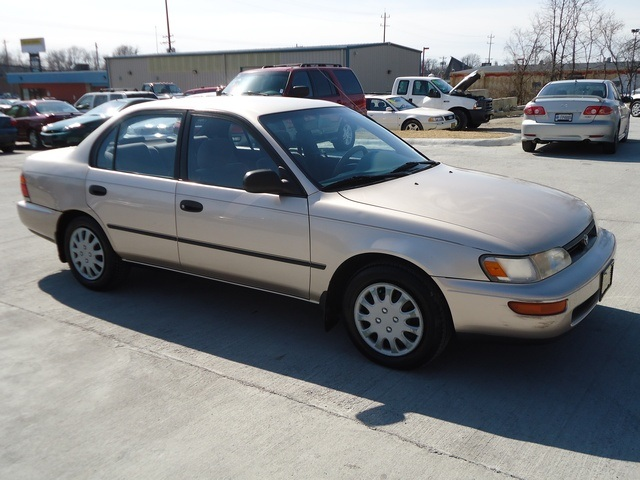 1995 toyota corolla dx for sale in cincinnati oh stock. Black Bedroom Furniture Sets. Home Design Ideas