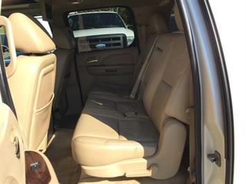 2009 Cadillac Escalade ESV - Photo 16 - Cincinnati, OH 45255