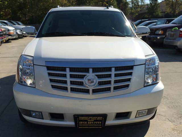 2009 Cadillac Escalade ESV - Photo 2 - Cincinnati, OH 45255