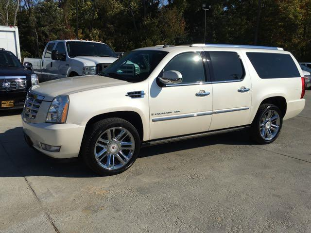 2009 Cadillac Escalade ESV - Photo 3 - Cincinnati, OH 45255