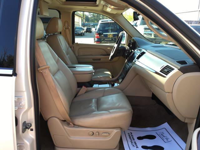 2009 Cadillac Escalade ESV - Photo 8 - Cincinnati, OH 45255