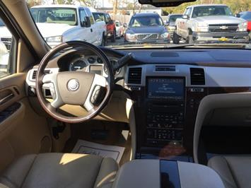 2009 Cadillac Escalade ESV - Photo 7 - Cincinnati, OH 45255