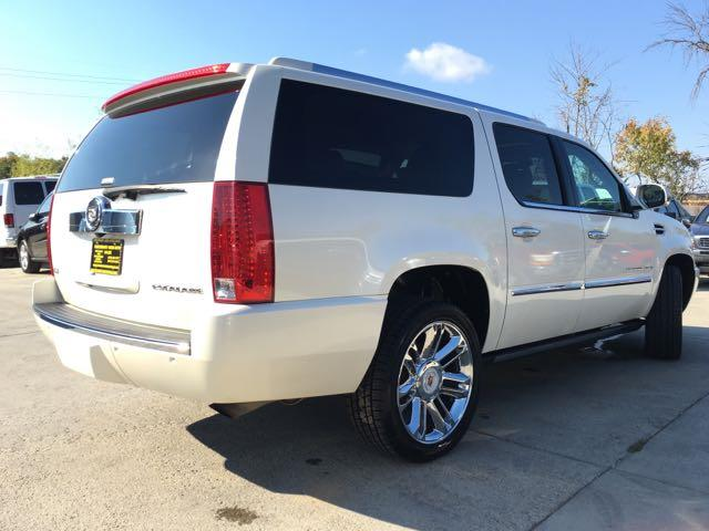2009 Cadillac Escalade ESV - Photo 14 - Cincinnati, OH 45255