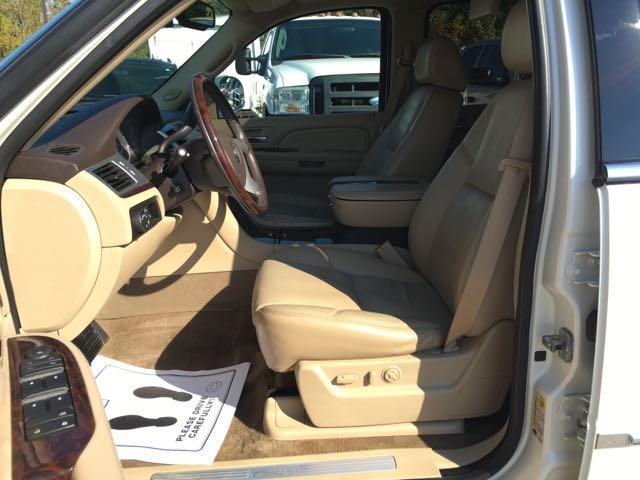 2009 Cadillac Escalade ESV - Photo 15 - Cincinnati, OH 45255
