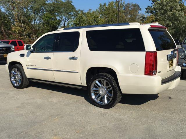 2009 Cadillac Escalade ESV - Photo 4 - Cincinnati, OH 45255