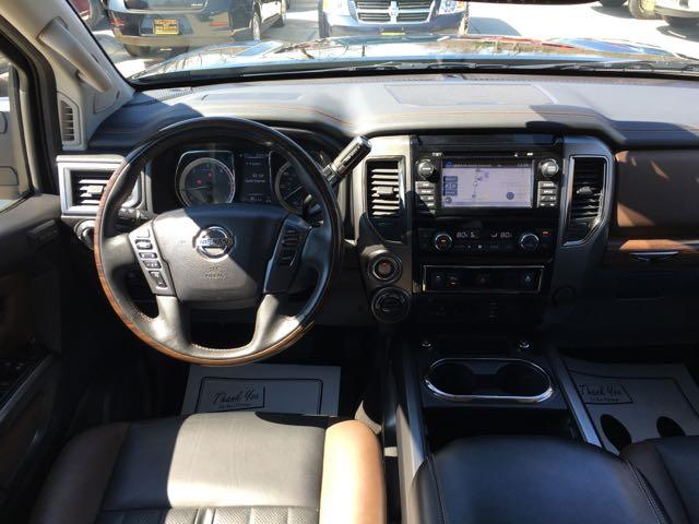 2016 Nissan Titan XD Platinum Reserve - Photo 7 - Cincinnati, OH 45255