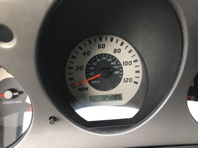 2004 Nissan Frontier SC-V6 4dr Crew Cab SC-V6 - Photo 19 - Cincinnati, OH 45255