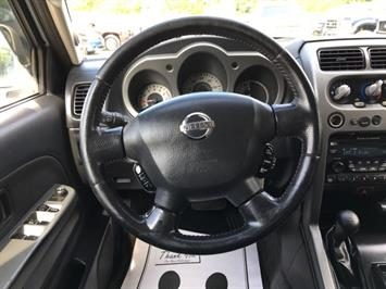 2004 Nissan Frontier SC-V6 4dr Crew Cab SC-V6 - Photo 16 - Cincinnati, OH 45255