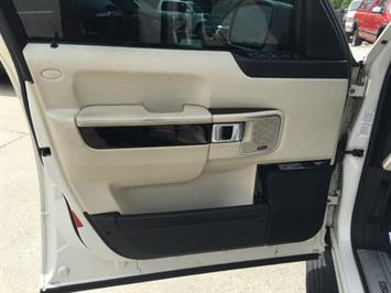 2009 Land Rover Range Rover Supercharged - Photo 32 - Cincinnati, OH 45255