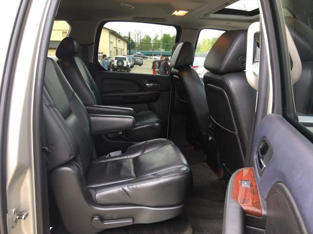 2007 Cadillac Escalade ESV - Photo 8 - Cincinnati, OH 45255