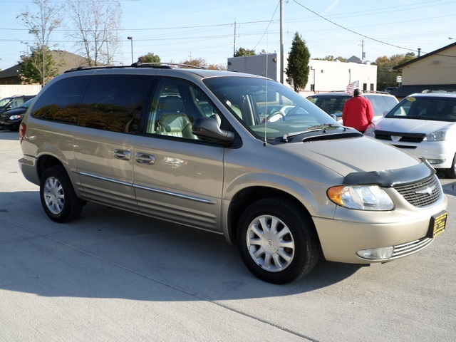2003 chrysler town country lxi for sale in cincinnati. Black Bedroom Furniture Sets. Home Design Ideas