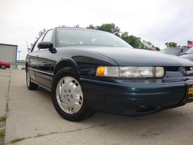 1997 oldsmobile cutlass supreme sl for sale in cincinnati. Black Bedroom Furniture Sets. Home Design Ideas