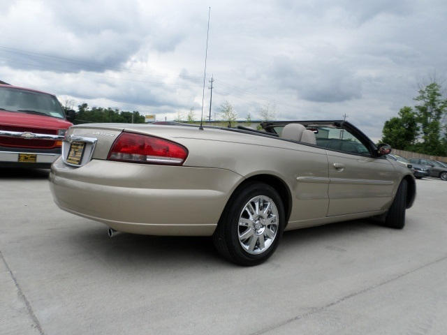 2004 chrysler sebring limited for sale in cincinnati oh. Black Bedroom Furniture Sets. Home Design Ideas