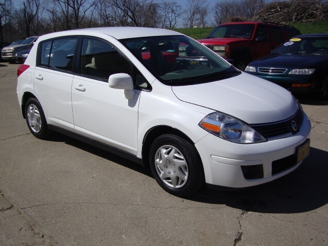 2007 nissan versa 1 8 s for sale in cincinnati oh stock 10219. Black Bedroom Furniture Sets. Home Design Ideas