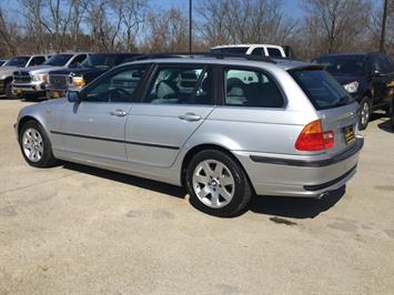 2002 BMW 325xi - Photo 4 - Cincinnati, OH 45255