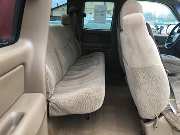 1999 Chevrolet Silverado 1500 LS 3dr - Photo 9 - Cincinnati, OH 45255