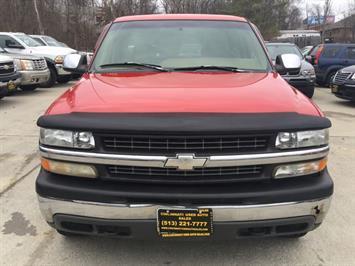 1999 Chevrolet Silverado 1500 LS 3dr - Photo 2 - Cincinnati, OH 45255