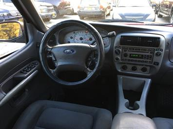 2002 Ford Explorer Sport Trac - Photo 7 - Cincinnati, OH 45255