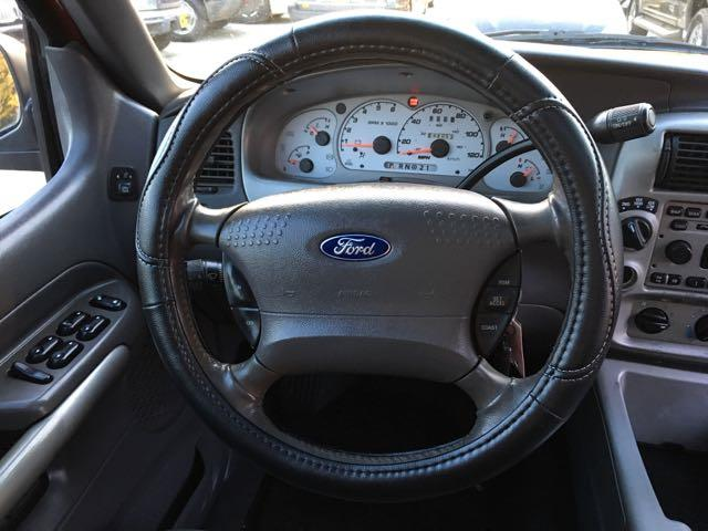 2002 Ford Explorer Sport Trac - Photo 18 - Cincinnati, OH 45255