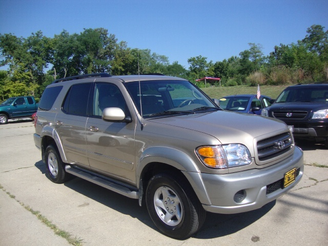 2001 toyota sequoia sr5 for sale in cincinnati oh stock 10364. Black Bedroom Furniture Sets. Home Design Ideas