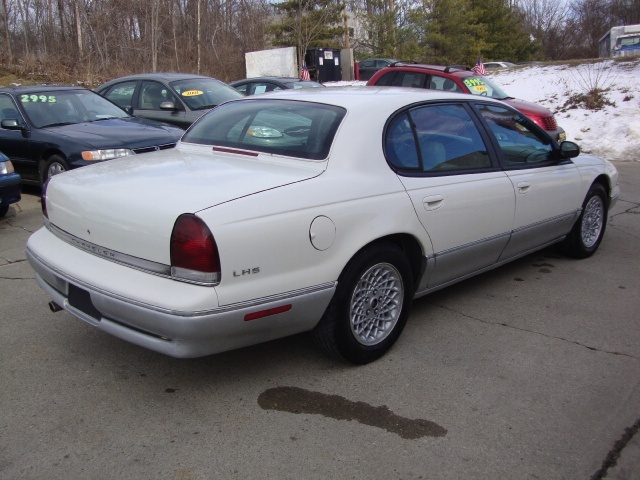1997 Chrysler LHS - Photo 6 - Cincinnati, OH 45255