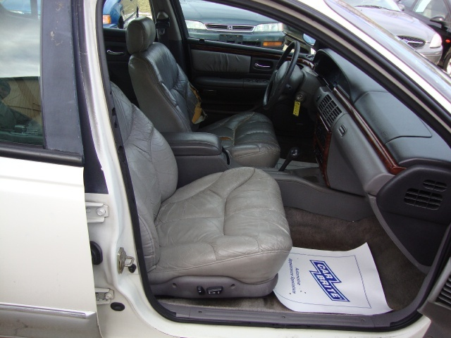 1997 Chrysler LHS - Photo 8 - Cincinnati, OH 45255