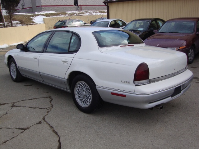 1997 Chrysler LHS - Photo 4 - Cincinnati, OH 45255