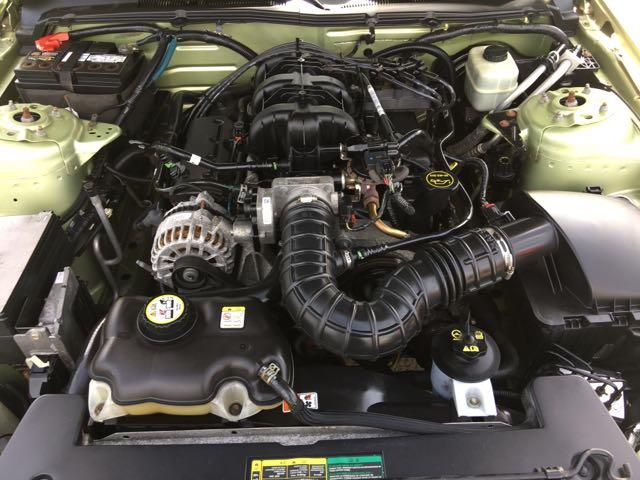 2006 Ford Mustang V6 Deluxe - Photo 28 - Cincinnati, OH 45255