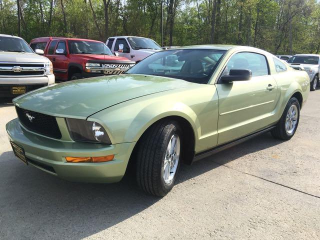 2006 Ford Mustang V6 Deluxe - Photo 11 - Cincinnati, OH 45255