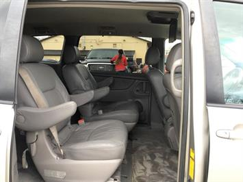 2006 Toyota Sienna XLE 7 Passenger - Photo 9 - Cincinnati, OH 45255