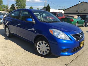2012 Nissan Versa 1.6 SV - Photo 11 - Cincinnati, OH 45255