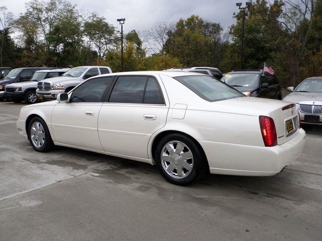 2003 cadillac deville deville dts for sale in cincinnati. Black Bedroom Furniture Sets. Home Design Ideas