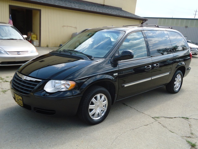 2006 chrysler town country touring for sale in. Black Bedroom Furniture Sets. Home Design Ideas