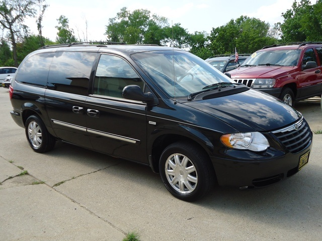 2006 chrysler town country touring photo 1 cincinnati oh 45255. Cars Review. Best American Auto & Cars Review