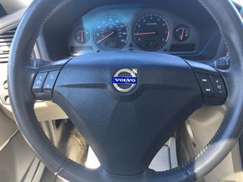 2003 Volvo S60 2.4 - Photo 16 - Cincinnati, OH 45255