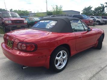 2002 Mazda MX-5 Miata - Photo 12 - Cincinnati, OH 45255