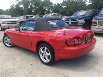 2002 Mazda MX-5 Miata - Photo 13 - Cincinnati, OH 45255