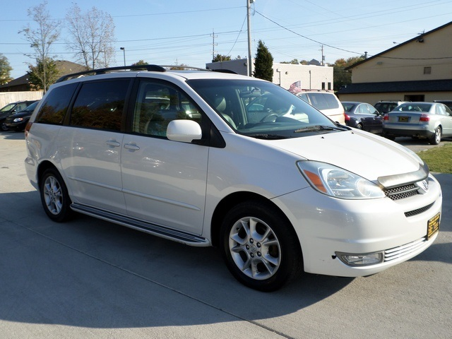 2005 toyota sienna xle limited 7 passenger for sale in cincinnati oh stock 11398. Black Bedroom Furniture Sets. Home Design Ideas