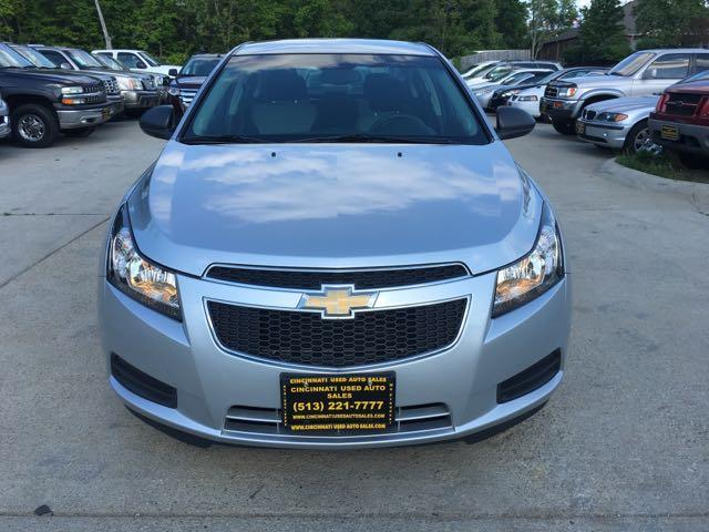 2011 Chevrolet Cruze LS - Photo 2 - Cincinnati, OH 45255