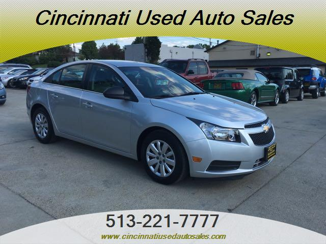2011 Chevrolet Cruze LS - Photo 1 - Cincinnati, OH 45255
