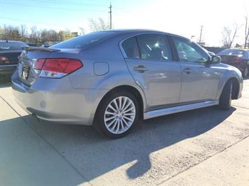 2010 Subaru Legacy 2.5GT Limited - Photo 13 - Cincinnati, OH 45255