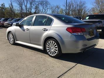 2010 Subaru Legacy 2.5GT Limited - Photo 4 - Cincinnati, OH 45255