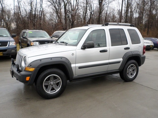 2005 jeep liberty renegade for sale in cincinnati oh stock 11475. Black Bedroom Furniture Sets. Home Design Ideas