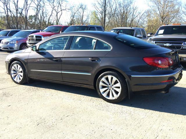 2010 Volkswagen CC Sport - Photo 4 - Cincinnati, OH 45255