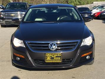 2010 Volkswagen CC Sport - Photo 2 - Cincinnati, OH 45255