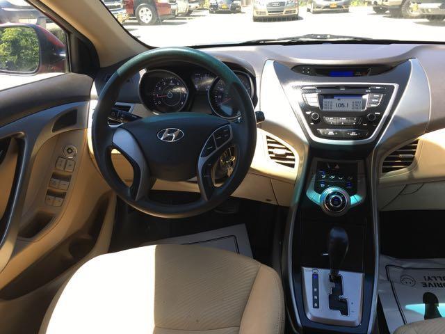 2013 Hyundai Elantra Limited - Photo 13 - Cincinnati, OH 45255