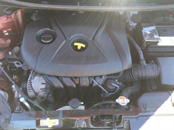 2013 Hyundai Elantra Limited - Photo 31 - Cincinnati, OH 45255